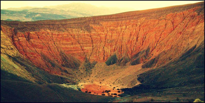 Uhebebe Crater, Death Valley, California, USA 2011