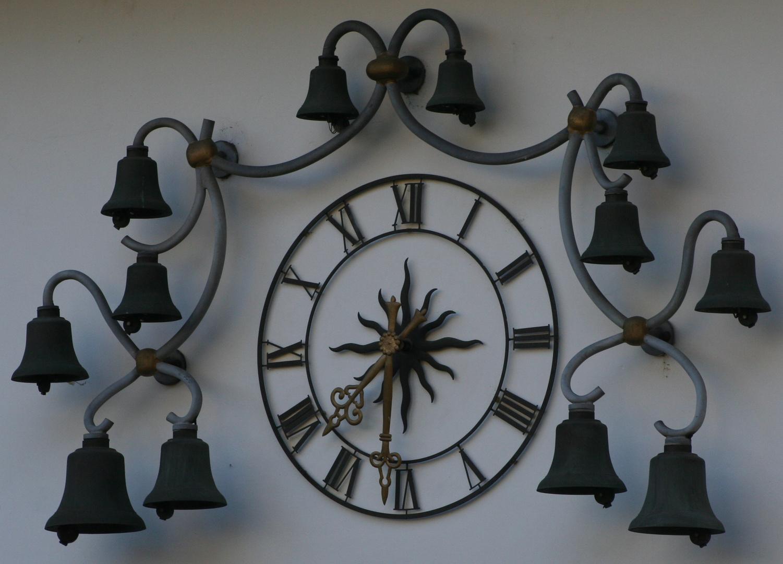 """Uhr am """"Alten Schloss"""" in Wehr"""