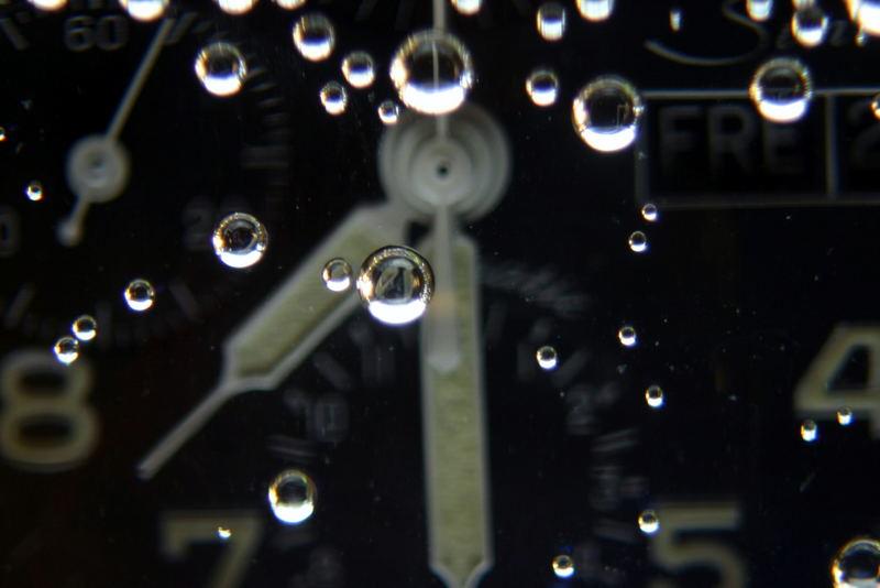Uhr im Glas