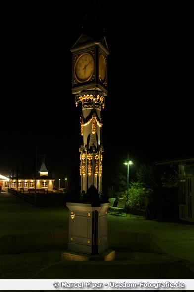 Uhr von Ahlbeck bei Nacht