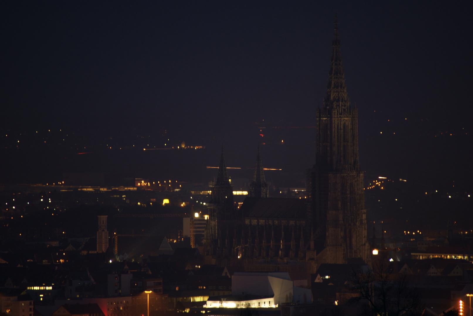 Ulmer Münster bei Nacht vom Eselsberg
