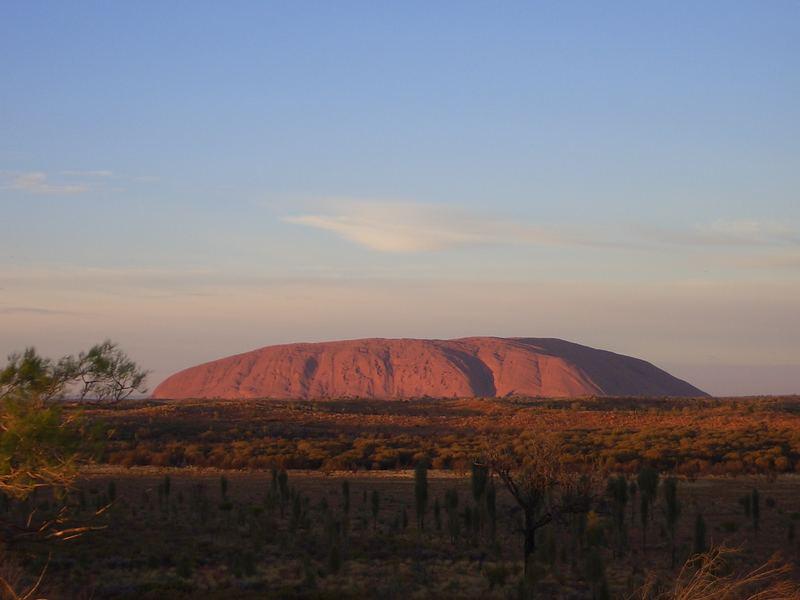 Uluru im Morgengrauen