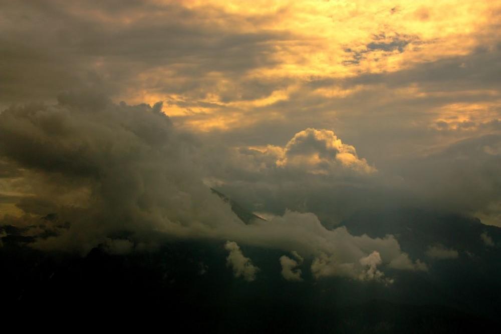 ... um seinen Gipfel jagen - Nebelschwaden