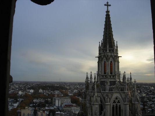 Uma das torres, Catedral de La Plata
