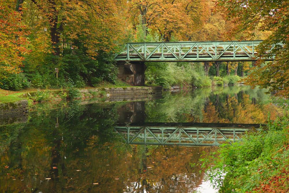Un autre pont, en automne