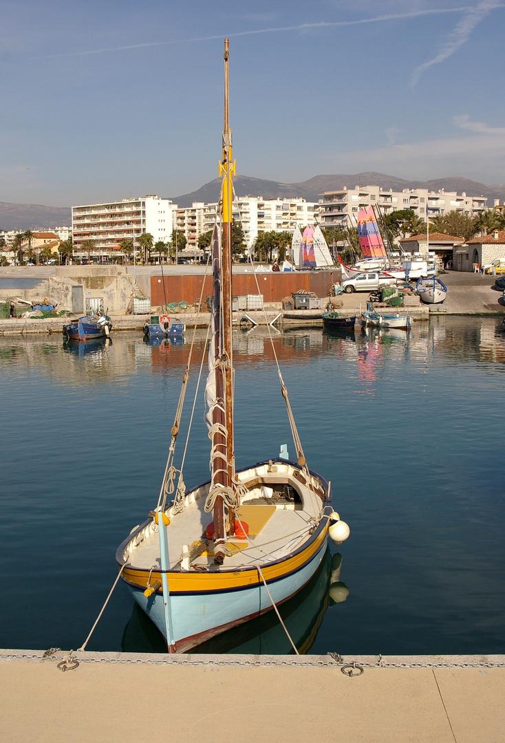 un beau petit bateau