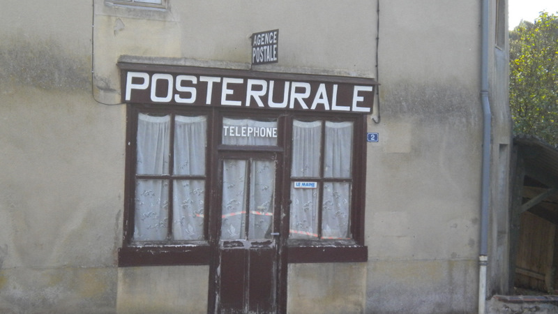 Un bureau de Poste dans la France Profonde