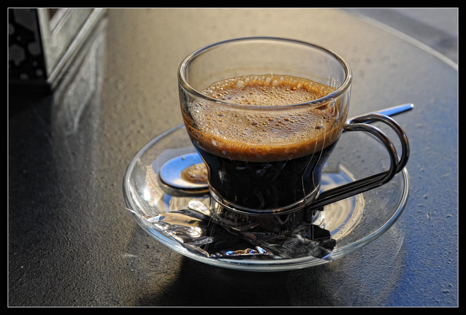 Un caffè, per favore