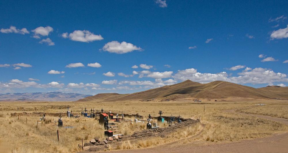 Un cementerio en el Perú - 3 -