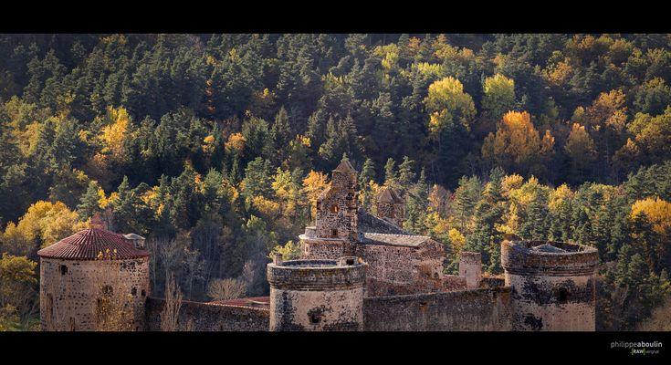 Un chateau en automne