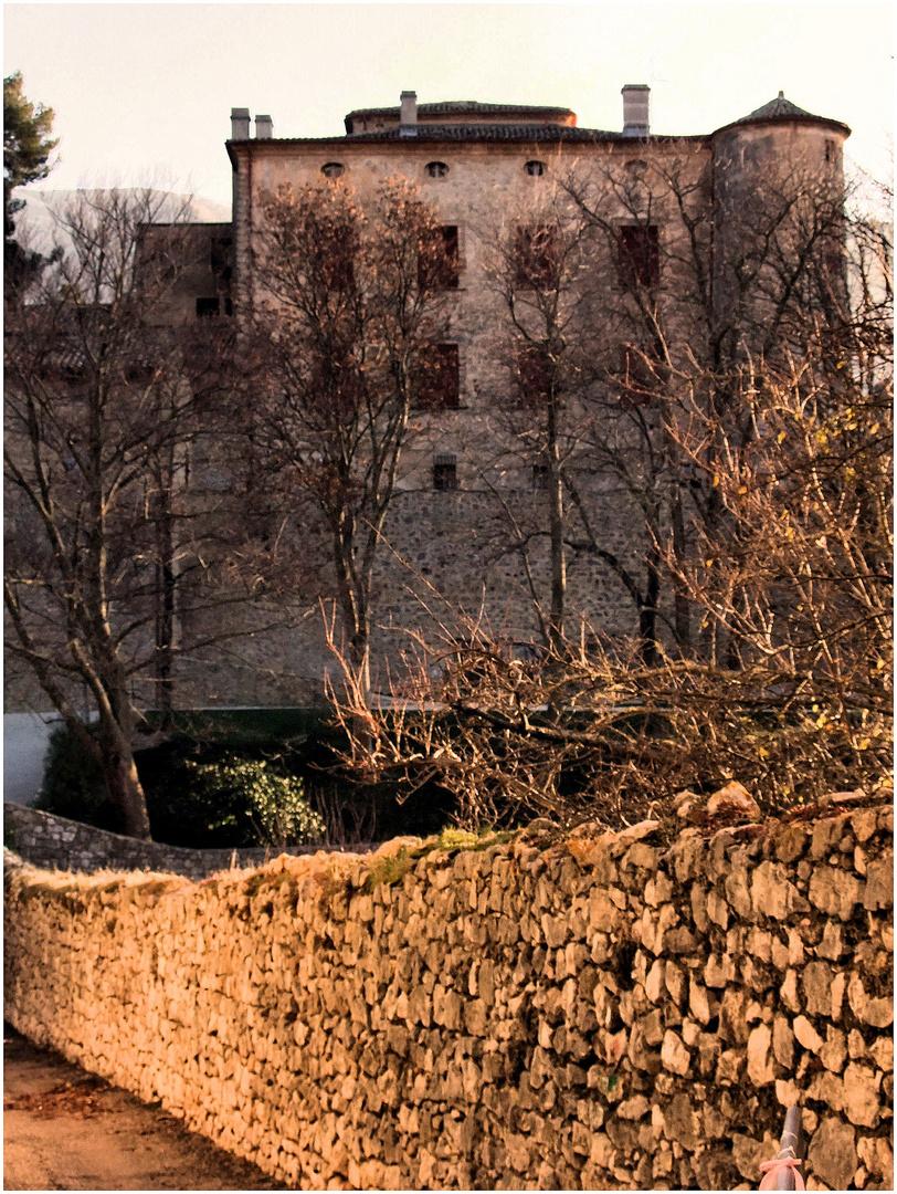 Un château en hiver. 2