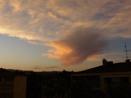 Un ciel au crépuscule