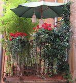 Un colorato balconcino veneziano