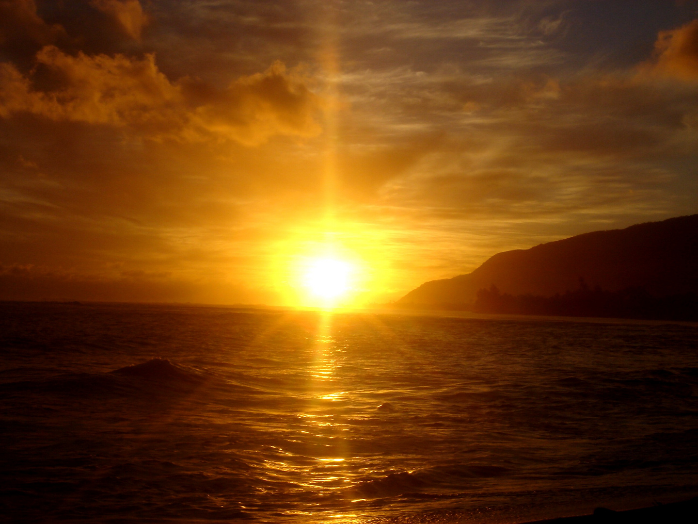 Un coucher de soleil from tahiti