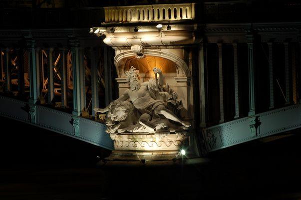 Un des ponts de Lyon (pilier)