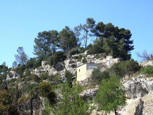 Un endroit escarpé du village de Minerve, Aude