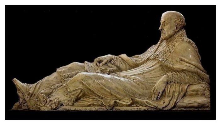 Un gisant dans la cathédrale-abbatiale d'Arras