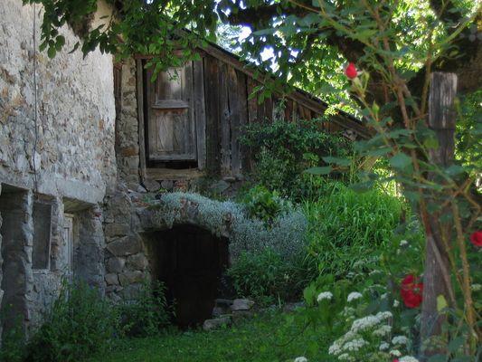 Un Grenier au fond du jardin