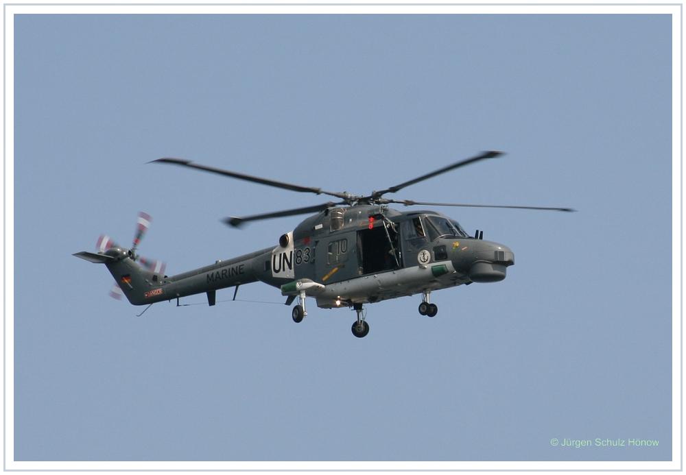 UN Hubschrauber über der Kieler Förde