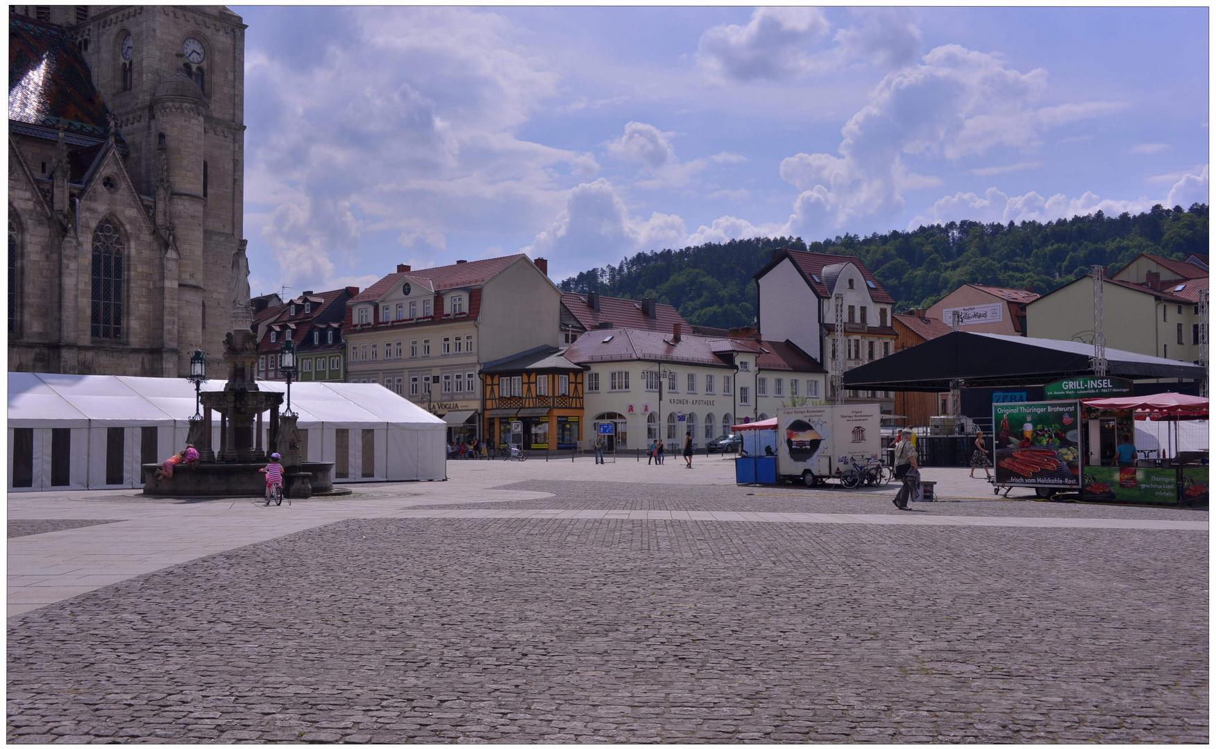 un imagen de mi nueva cámara XI - Meiningen, la plaza mayor, contraluz