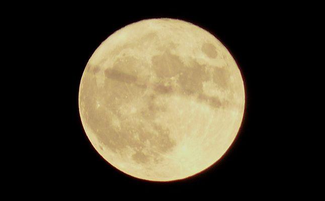 Un intrus dans la lune du 14/11