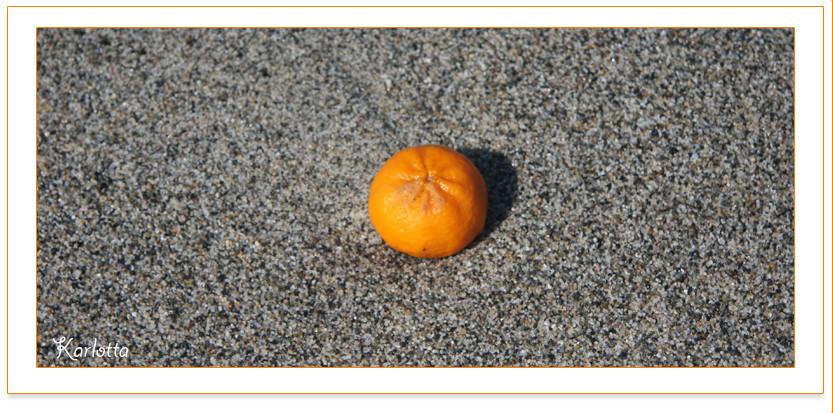 un mandarino....al mare...
