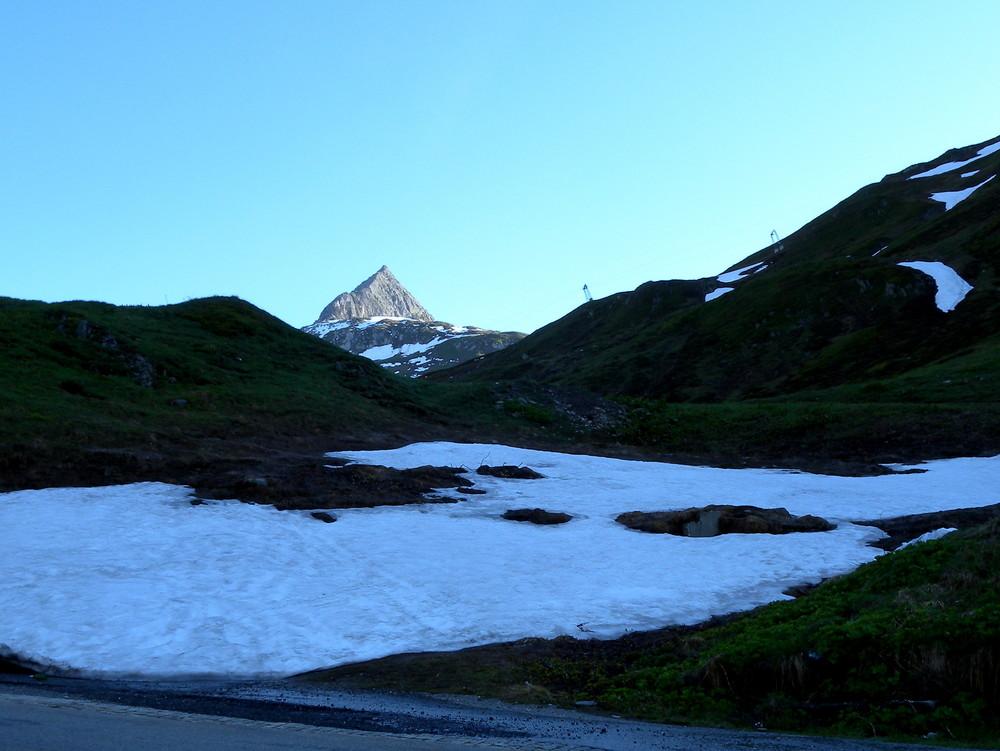 Un matin sur le col d'Oberalp..01
