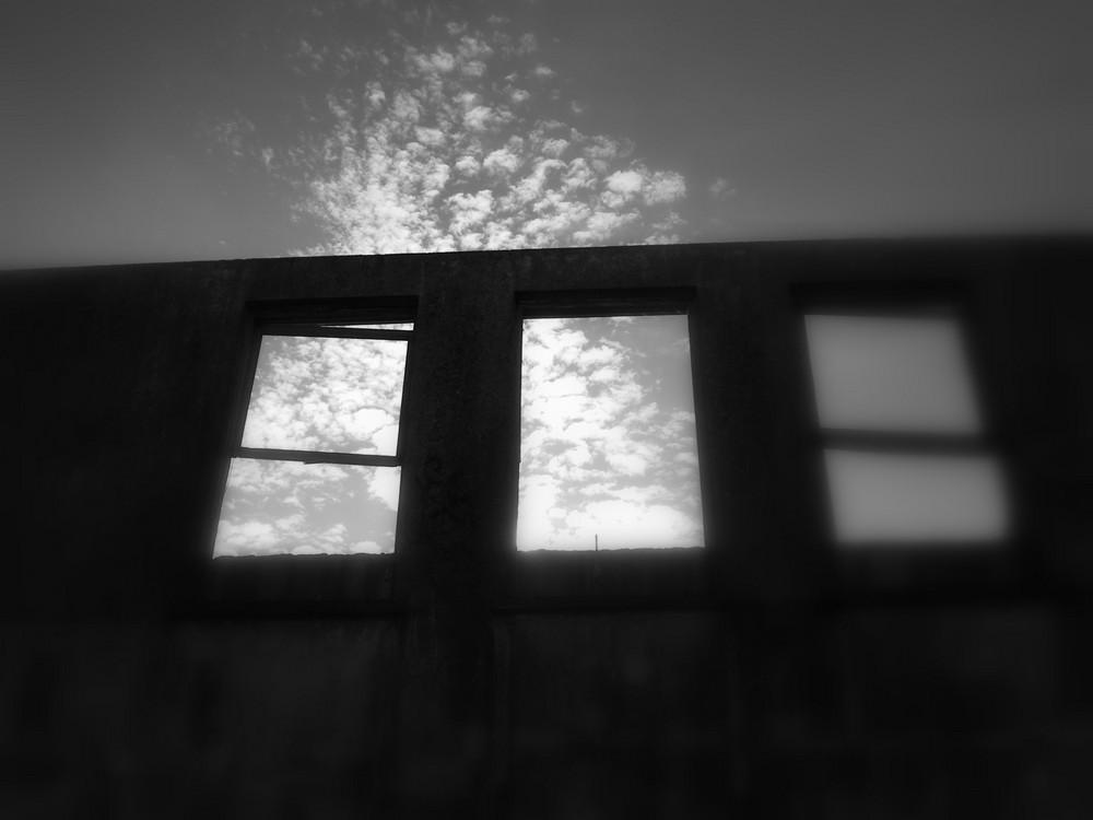 un mur contre la lumière
