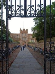 Un passage pour piétons et vélos dans Cambridge