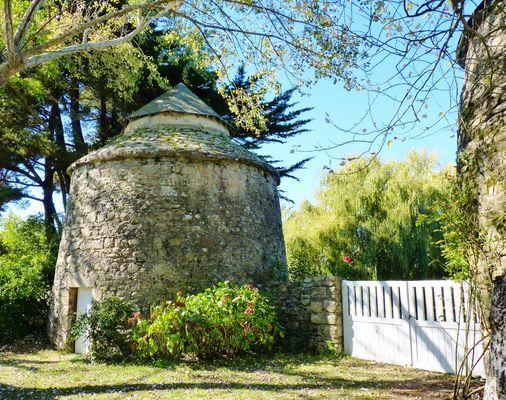 Un pigeonnier transformé en habitation (sur l'Ile d'Artz (Morbihan)