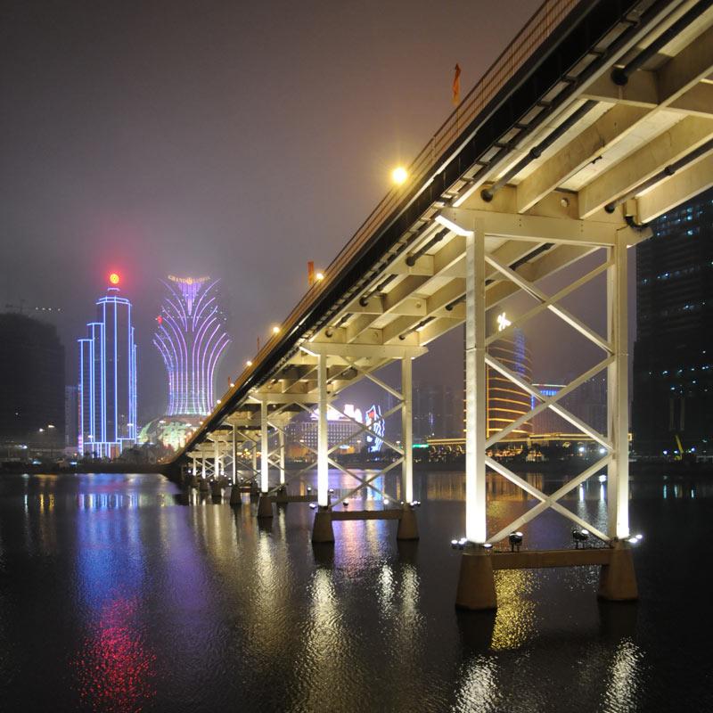 Un pont d'or...