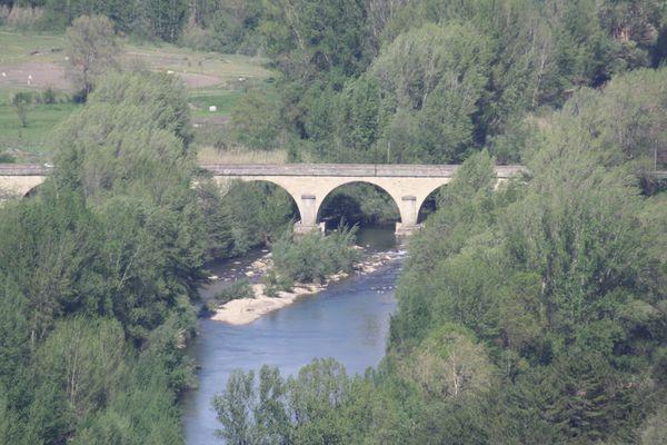 Un pont sur l'orbe