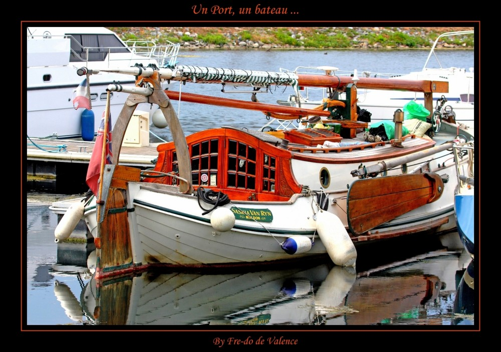 Un port, un bateau ...