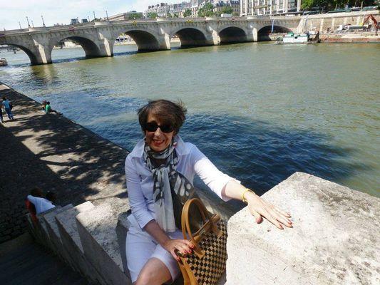 Un p'tit coucou de Manouchette à Paris