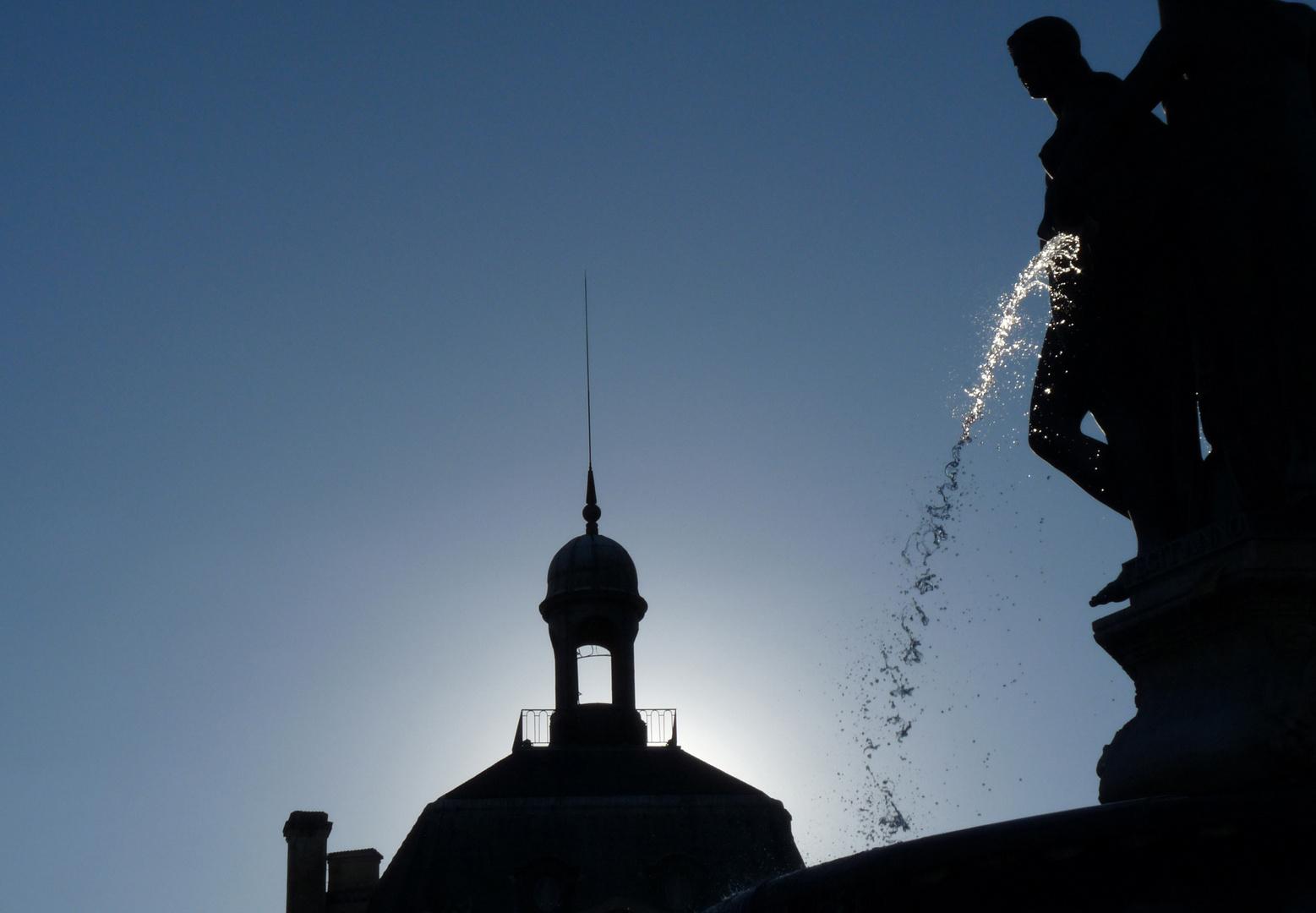 Un rayon sur la fontaine.