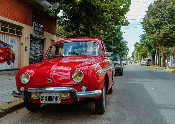 Un Renault Dauphine!!