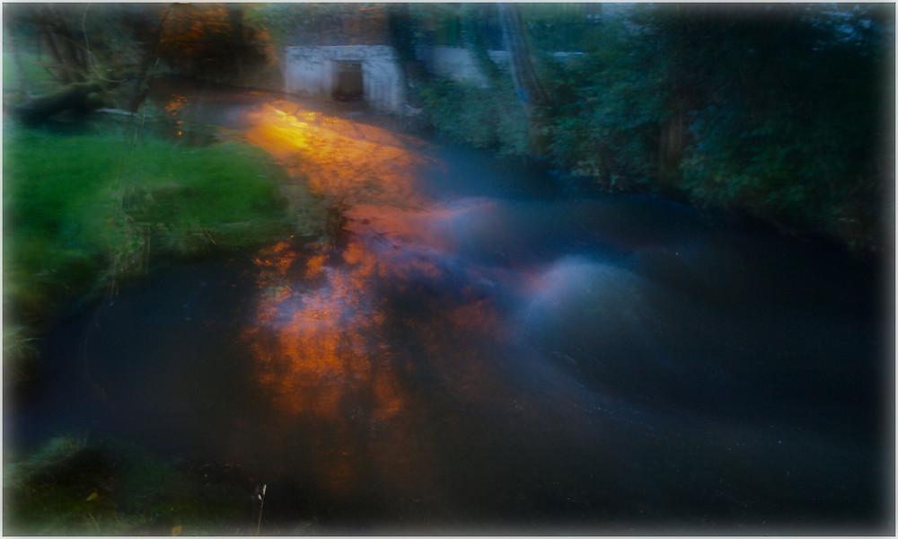 Un ruisseau de nuit