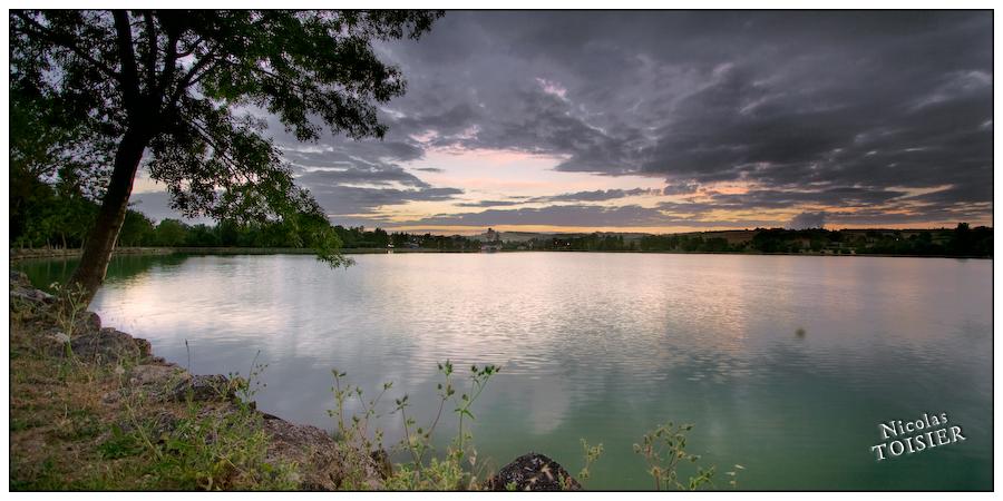Un soir au bord du lac