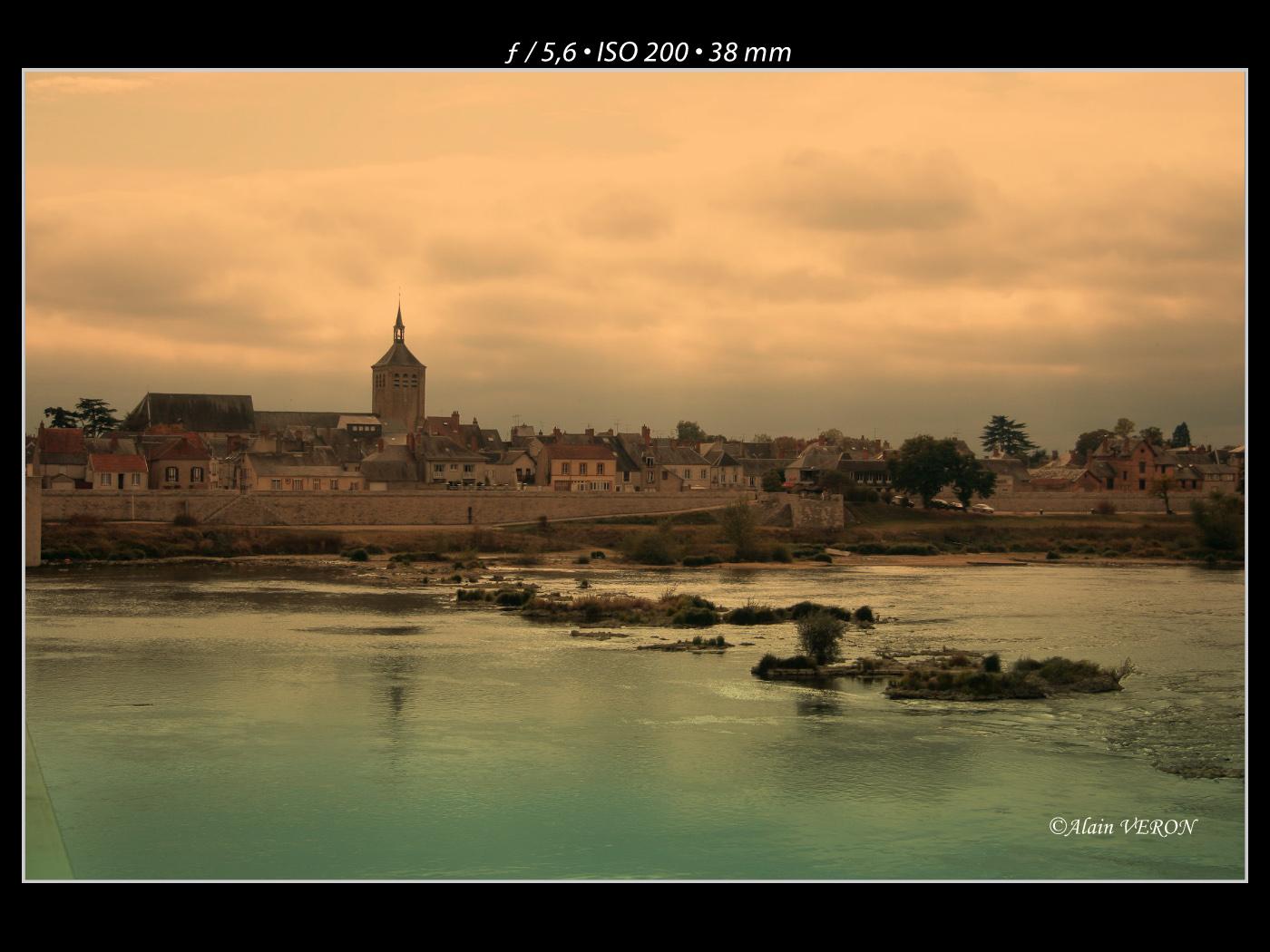 Un soir, bord de la Loire