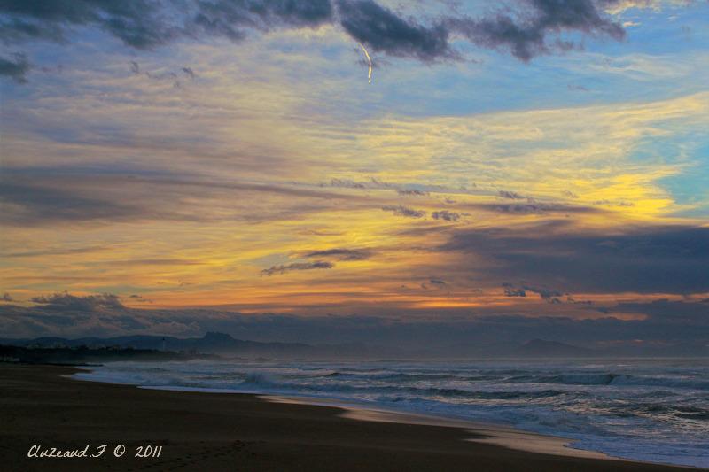 Un soir, le long de la plage!