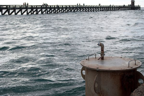 Un sous-marin dans la passe du port de Capbreton?