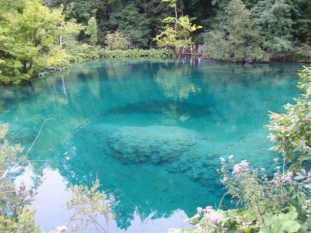 Un tuffo dove l'acqua è più blu...