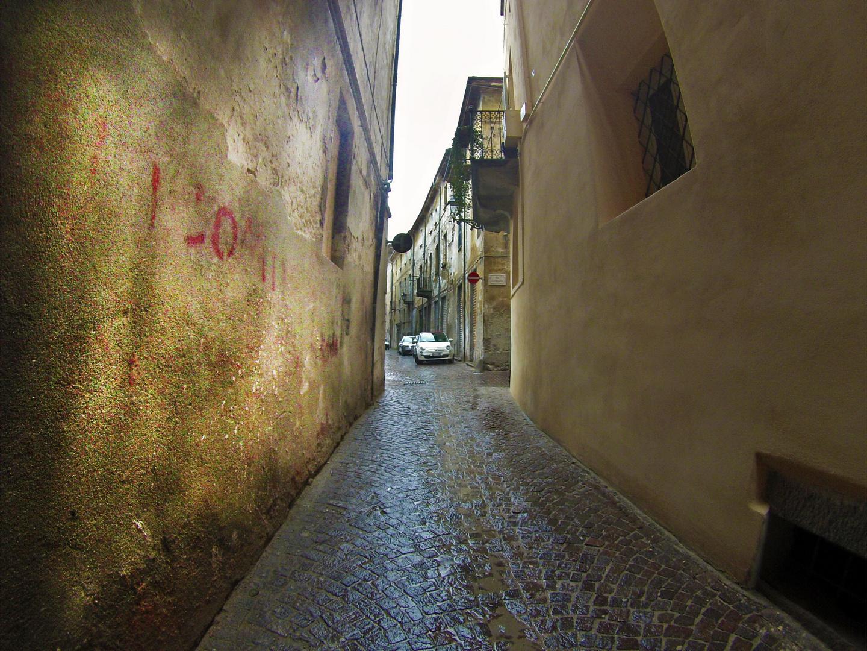 Un vicolo a Cuneo