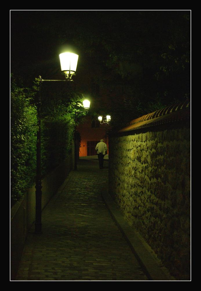 Un vieil homme dans la nuit
