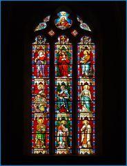 Un vitrail de l'Eglise St Orens et St Louis à Miradoux  --  Gers