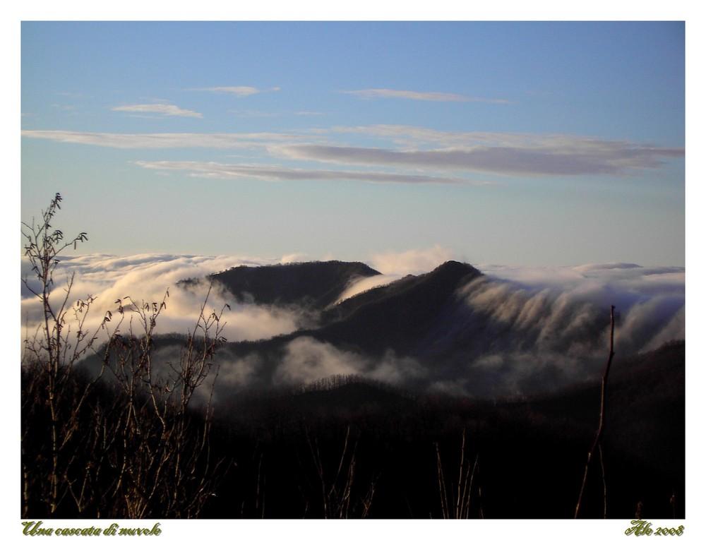 Una cascata di nuvole