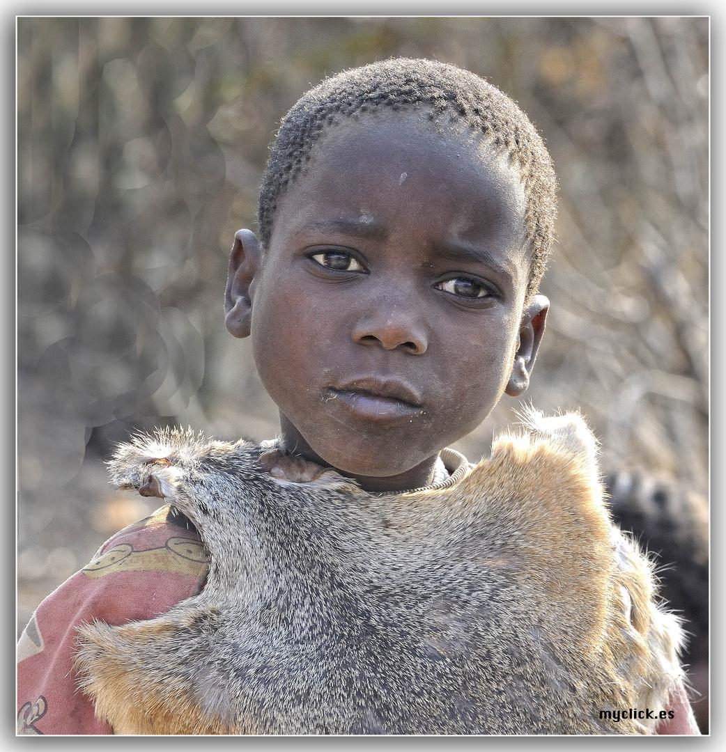 UNA CHICA HADZABE- TANZANIA