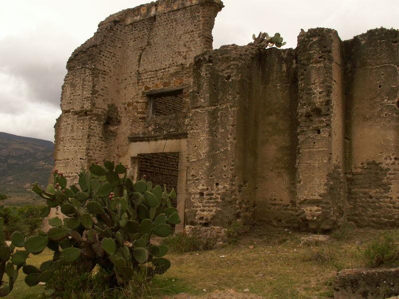 UNA hacienda que encontramos en el camino a San Felipe.