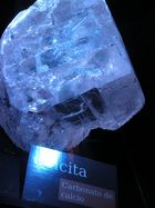 una piedra muy preciosa....lo que la naturaleza nos brinda :)