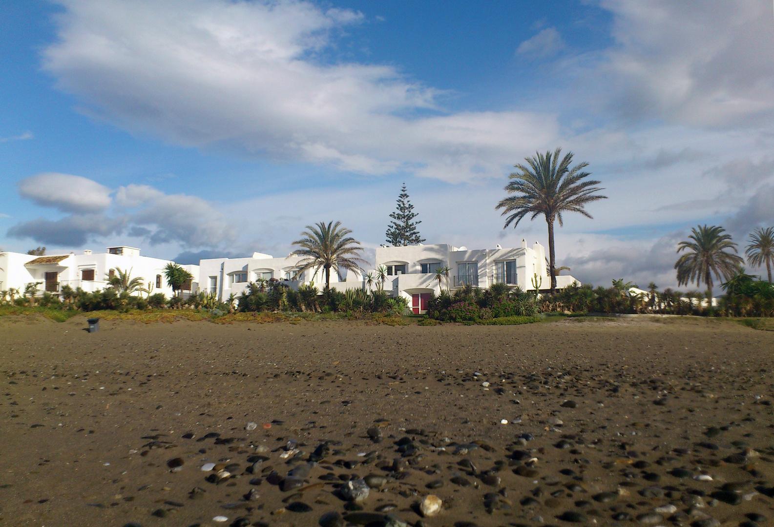 Una playa, cerca de Estepona. Mayo de 2012
